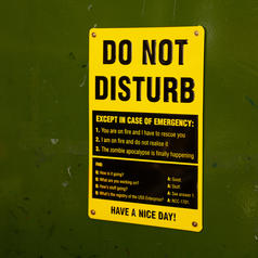 Tin Sign Do Not Disturb