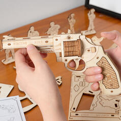 Rubberband Revolver Wood Construction Kit