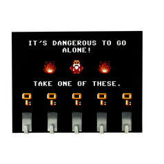 Accroche-clés Dangerous to go alone